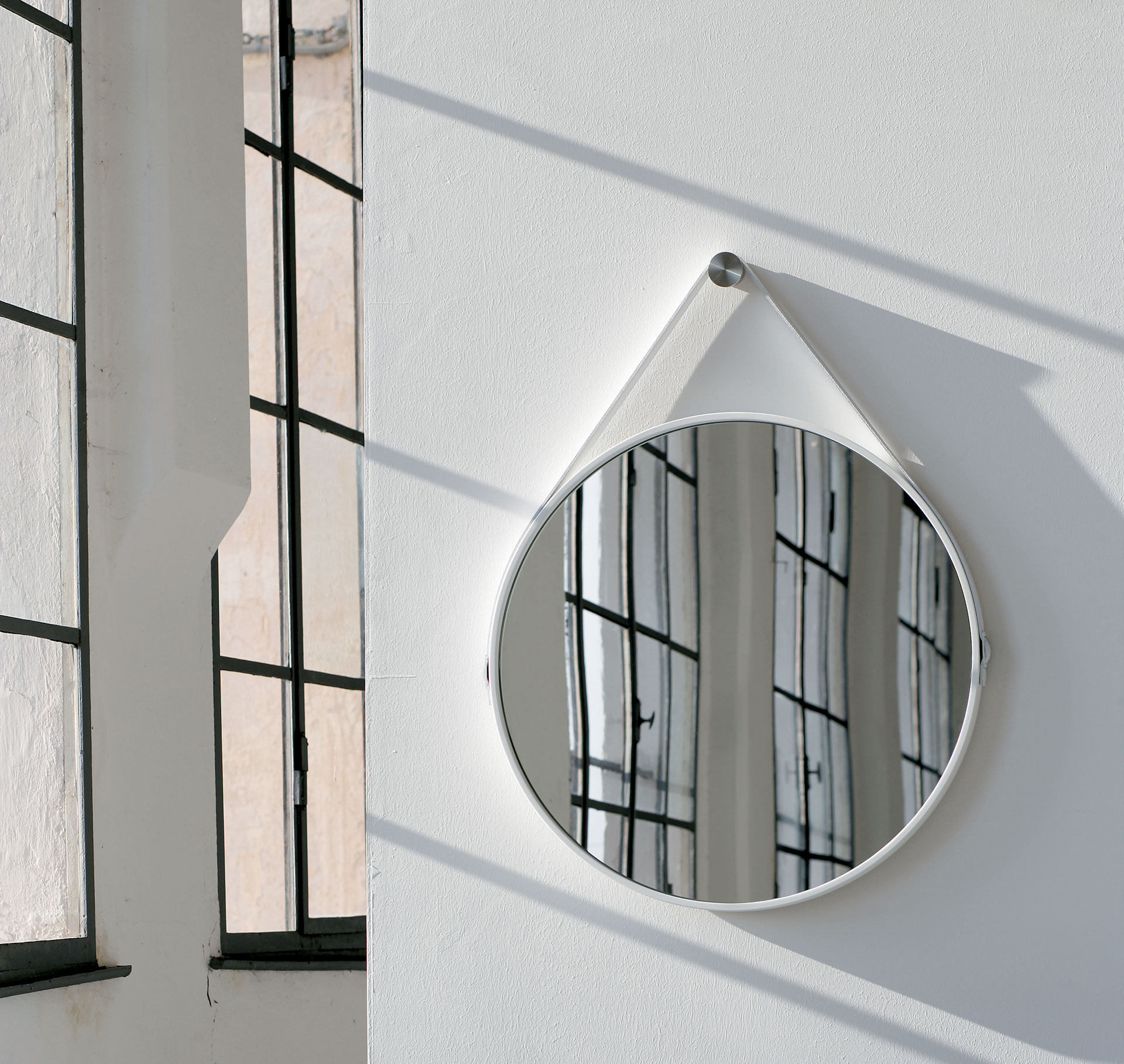 Modloft george 36in mirror epb285 official store for Large white round mirror